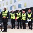 Dr. Guntis Belēvičs piedalās Stradiņa slimnīcas A korpusa jaunbūves spāru svētkos